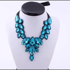 Jewelry - Blue Chunky Bib Statement Necklace